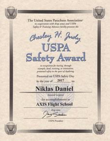 Chesley H Judy USPA Safety Award 2017 to Niklas Daniel